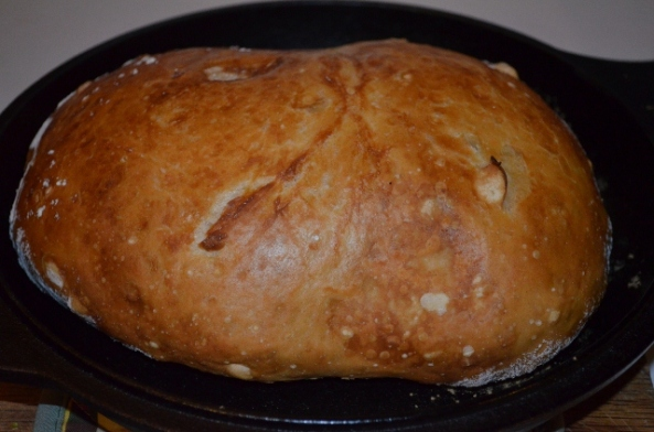 bread coming out of oven (640x424)