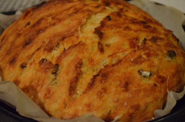 cheddar jalapeno no knead (640x424)