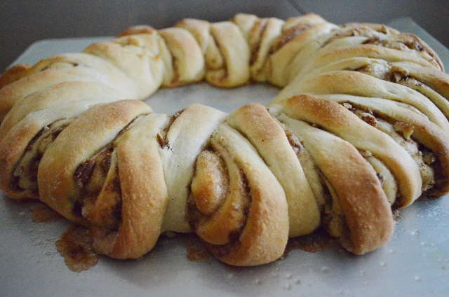 cinnamon ring cooked (640x424)