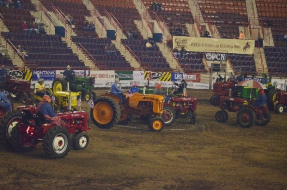 tractor square dancing 1 (640x424)