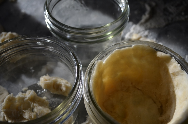 dough in jars (640x424)