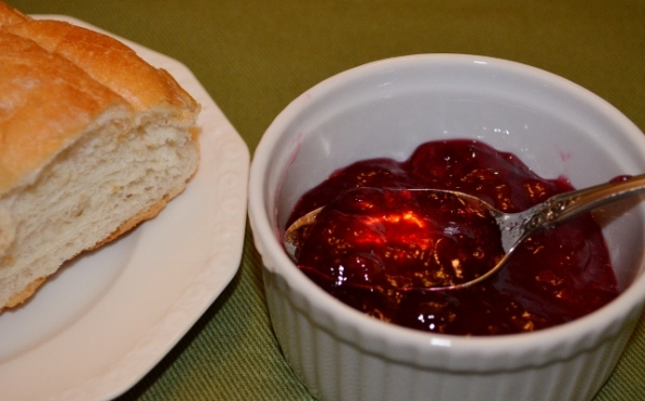 raspberry currant jelly (640x399)