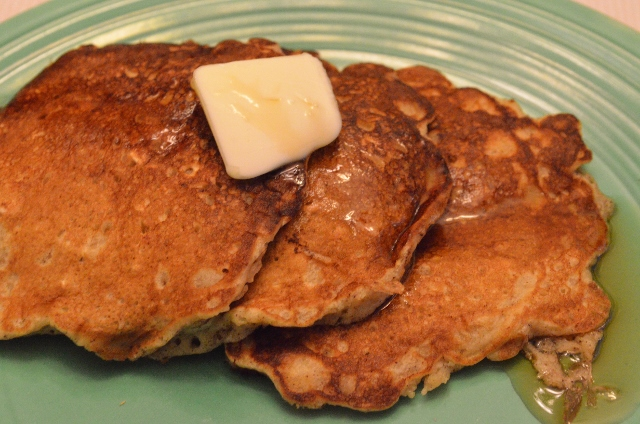 apple cider pancakes (640x424)