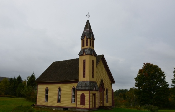 NH church (640x412)